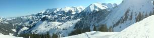 Skilift Homad-Wiriehorn mit Sicht auf die Niesenkette
