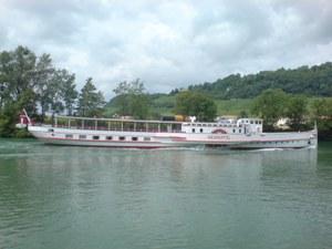 Dampfschiff Neuchâtel bei Sugiez
