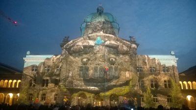 Lichtshow Bundeshaus 2015 - Bergriese