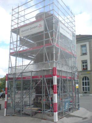 Meret-Oppenheim-Brunnen während der Operation