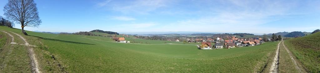 Panorama auf Jura und Mittelland von Oberbalm aus