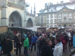 Weihnachtsmarkt auf dem Berner Münsterplatz