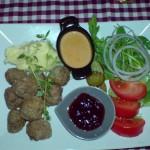 Köttbullar (Fleischkügelchen) im Restaurant Under Kastanjen
