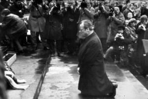 Der Kniefall von Willy Brandt in Warschau